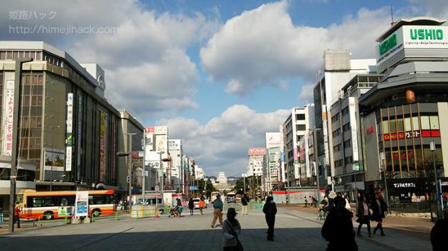 姫路駅を出たところの画像