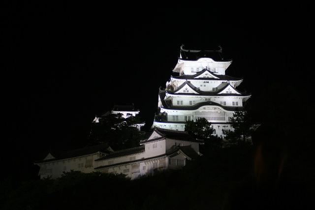 姫路城観光コース「夜。日も暮れてきたら」