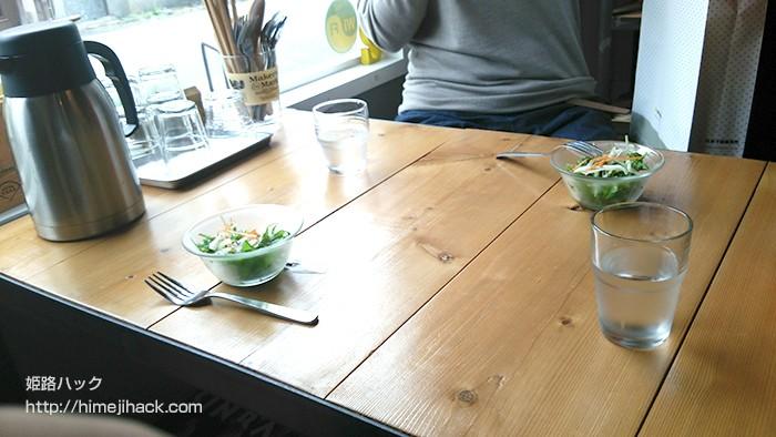 カレー屋スエヒロのテーブル席