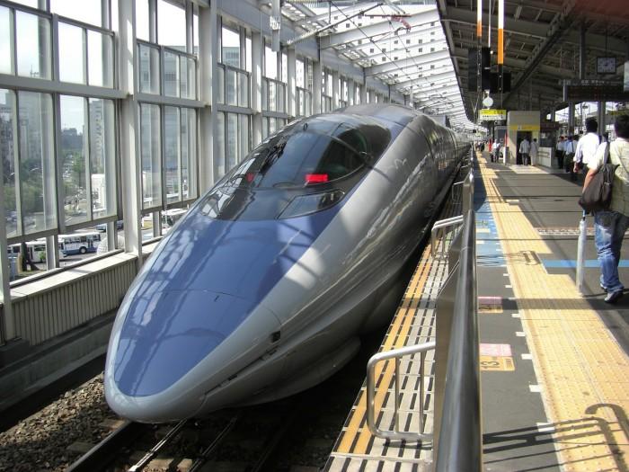 東京から姫路までの新幹線料金と格安夜行バス